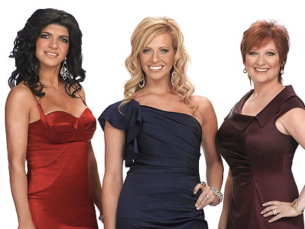 Dina Manzo, Caroline Manzo Not Feuding over Real Housewives of New Jersey