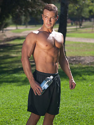 Joey Lawrence Shirtless Photos