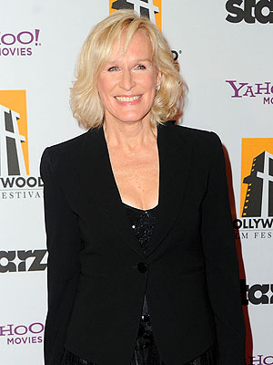Glenn Close, Extreme Makeover: Home Edition Guest