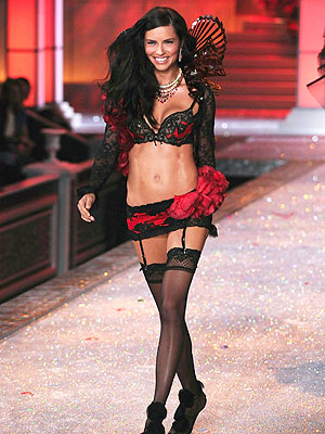 Victoria's Secret Fashion Show: Adriana Lima Extreme Diet