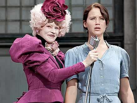 Hunger Games Sneak Peek: Elizabeth Banks as Effie Trinket Pictures