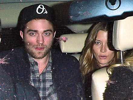 Robert Pattinson, Sarah Roemer Out with Friends