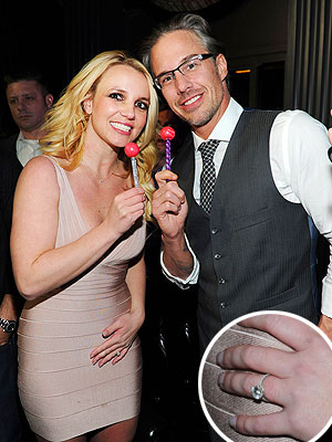 Britney Spears Celebrates Engagement, Shows Off Ring in Las Vegas | Britney Spears