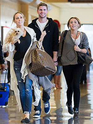 Miley Cyrus, Tish Cyrus at LAX with Dog: Photo