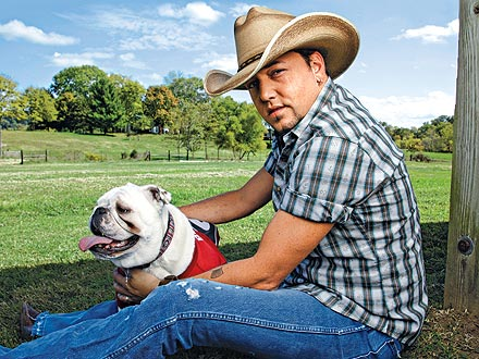 Jason Aldean's Bulldog Is a Diehard Football Fan
