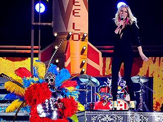 Grammy Awards 2011: Gwyneth Paltrow Performs
