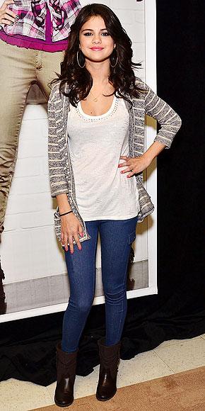 Selena Gomez's Fan-Tastic Day at the Miami Mall | Selena Gomez