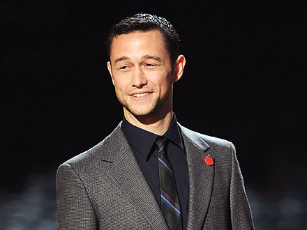 "Joseph Gordon-Levitt ""Twists and Shouts"" in Hollywood"