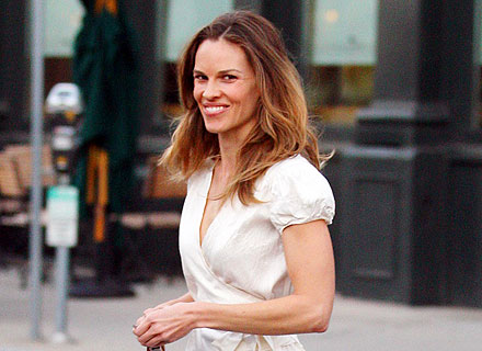 Hilary Swank and Her Beau Go Burger-Crazy in L.A.