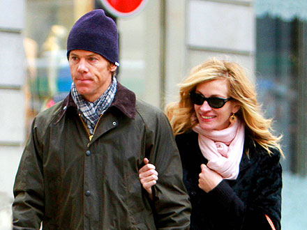 Julia Roberts Savors a Low-Key Date Night with Danny Moder