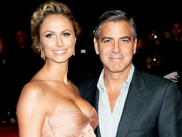 George Clooney and Stacy Keibler Share Pool Time – and PDA – in Cabo