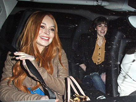 Lindsay and Ali Lohan&#39;s Chain-Smoking Sisters&#39; Night Out