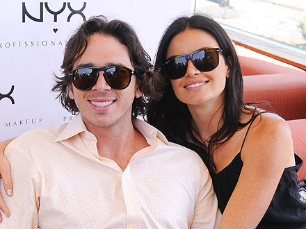Ben Flajnik & Courtney Robertson Sip Bloody Marys Poolside