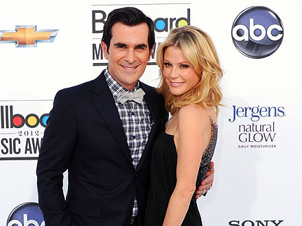 Ty Burrell & Julie Bowen Have a Joint Dance Party