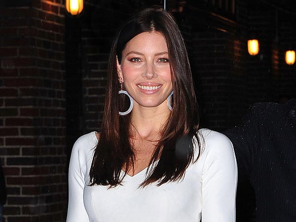 Jessica Biel&#39;s &#39;Sweet&#39; Shoe Shopping Excursion