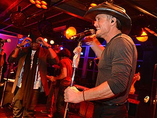 Tim McGraw & Ne-Yo's Halloween Treat in Nashville