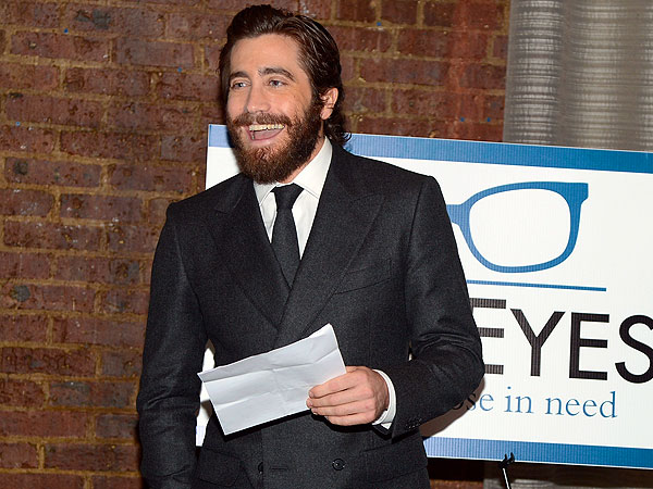 Jake Gyllenhaal Honored By Charity in N.Y.C.