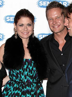Debra Messing Dating Smash Costar Will Chase