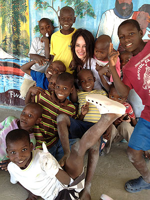 Revenge's Madeleine Stowe Blogs from Haiti