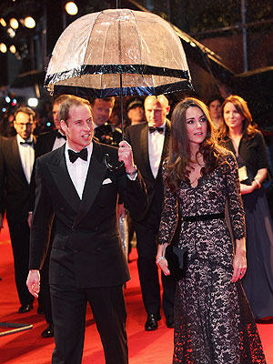 Prince William and Kate Attend War Horse Premiere