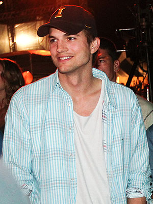Ashton Kutcher Will Present at Academy of Country Music Awards