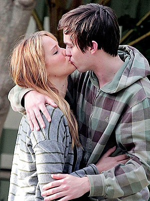 Hunger Games Star Jennifer Lawrence & Nicholas Hoult Kiss in Public