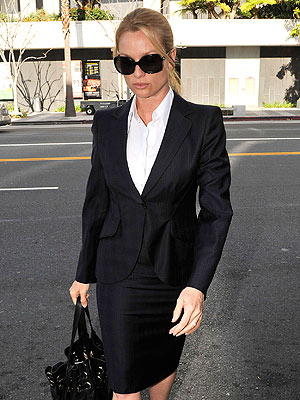 Nicollette Sheridan Case: Battery Charge Dismissed | Nicollette Sheridan