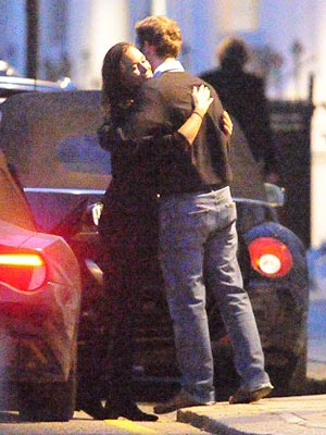 Pippa Middleton & George Percy Share a Smooch