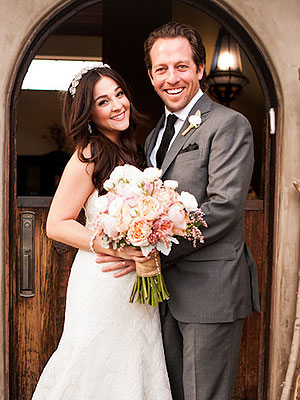 Curly Sue: Star Alisan Porter Gets Married