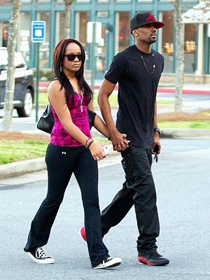 Whitney Houston Death: Is Bobbi Kristina Dating Adopted Brother?