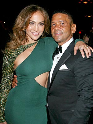 "Jennifer Lopez Vogue Magazine: Manager Speaks Out About Her ""Obsessive Guys"""