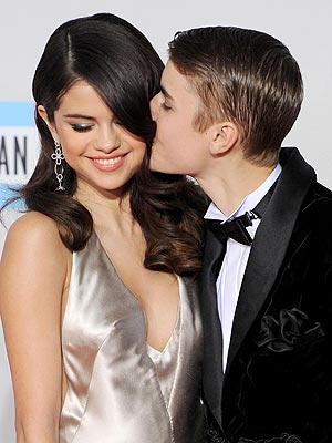 Selena Gomez  on Selena Gomez  Justin Bieber Split   People Com