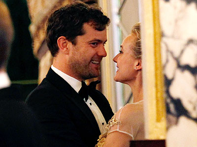Joshua Jackson, Diane Kruger Necklace Gift