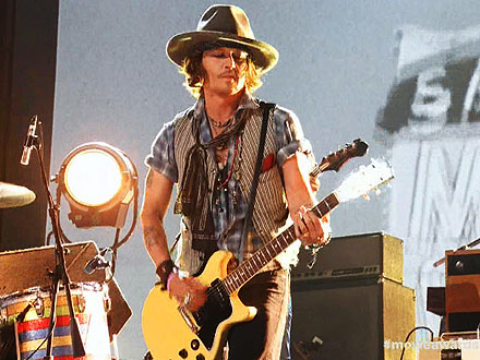 MTV Movie Awards Johnny Depp Performs with Black Keys