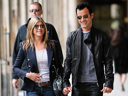Jennifer Aniston & Justin Theroux Take Romantic Trip to Paris | Jennifer Aniston, Justin Theroux