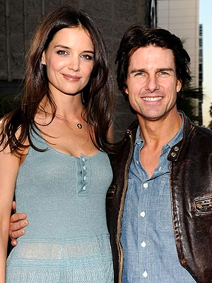 Tom Cruise Divorce: Suri to Live Primarily with Katie Holmes