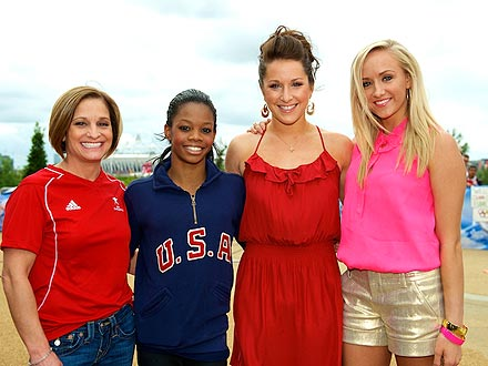 Gabby Douglas Poses with Nastia Liukin, Carly Patterson and Mary Lou Retton