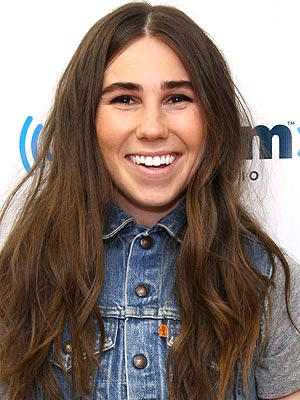 Girls Star Zosia Mamet on Her Summer Reading List