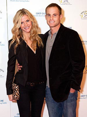 Brooklyn Decker with cool, Husband Andy Roddick