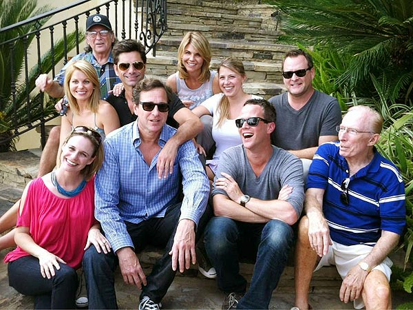 Full House Cast Reunites for 25th Anniversary | Candace Cameron, Dave Coulier, Jodie Sweetin, John Stamos, Lori Loughlin, Scott Weinger