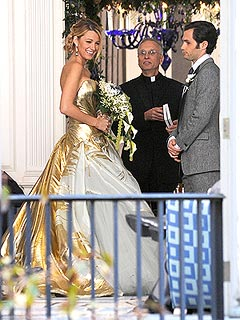 Blake Lively Photographed in Wedding Dress on Gossip Girl Set | Blake Lively, Penn Badgley