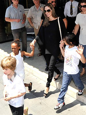 Angelina Jolie Talks Engagement to Brad Pitt; Motherhood