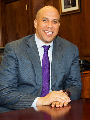 Hurricane Sandy Relief: Newark's Mayor Cory Booker Helping Victims