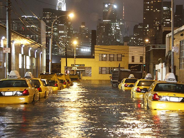 Superstorm Sandy: Celebrities Affected, Sharing on Twitter