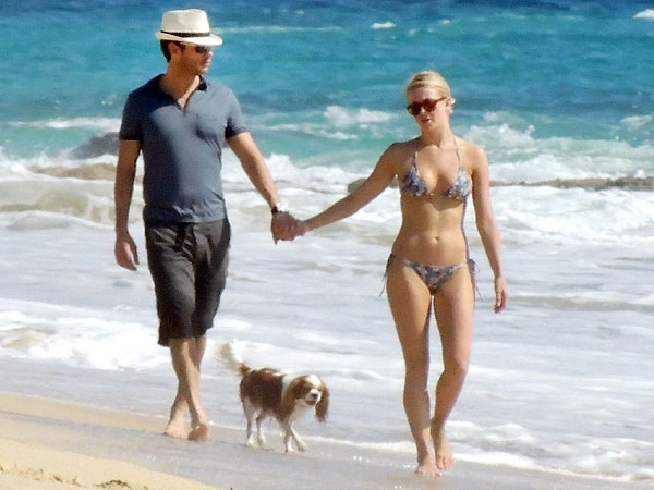 Ryan Seacrest & Julianne Hough Stroll on the Beach in Cabo | Julianne Hough, Ryan Seacrest