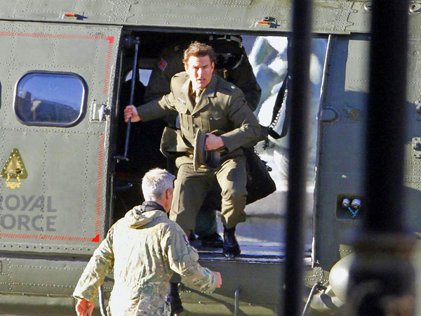 Tom Cruise Films Helicopter Scene in Empty Trafalgar Square