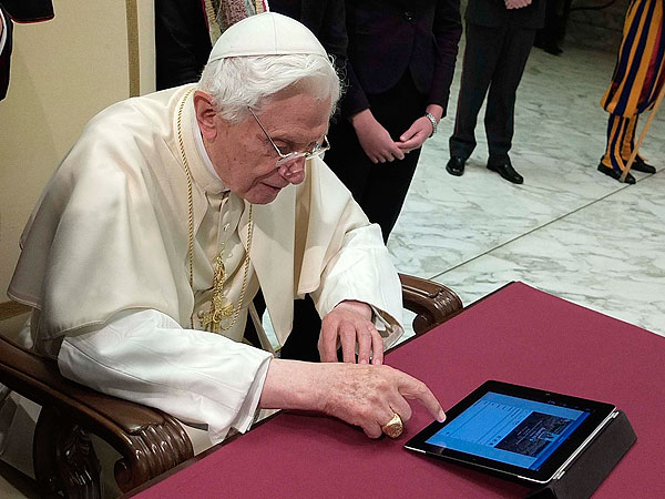 Pope Benedict XVI Joins Twitter