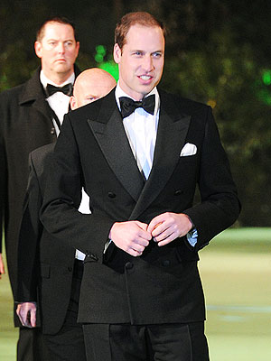 Prince William Attends Hobbit Premiere Without Kate