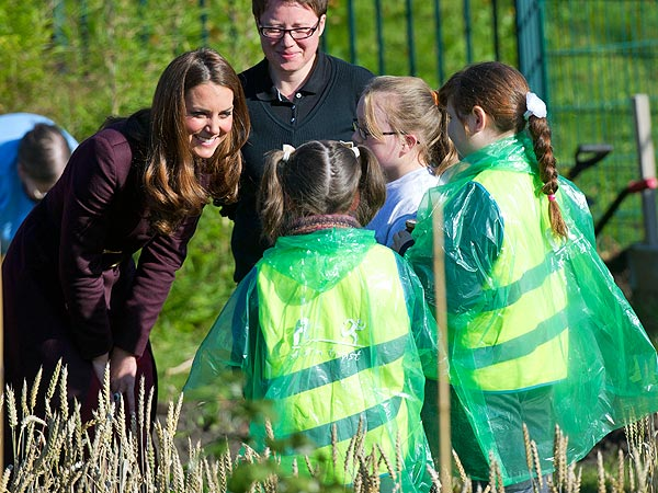 Kate Dazzles Onlookers as Queen of the … Garden?