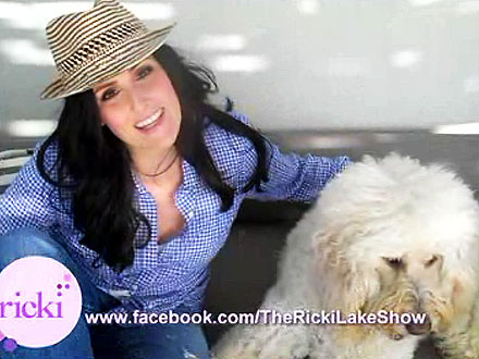 Ricki Lake Introduces Dog Jeffie, New Talk Show Premieres September